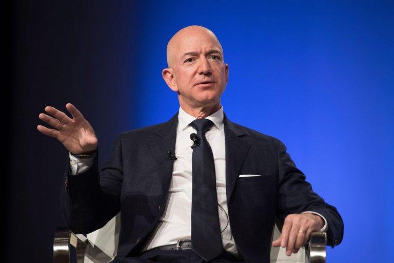 Jeff Bezos Nude Selfie Scandal - Lyonswood